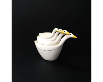 Vintage Goose Measuring Cups / Melamine