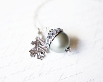 Necklace, Acorn Necklace, Pearl Necklace, Peter Pan Necklace, Oak Leaf Necklace, Green Necklace, Handmade Necklace, Gift for Her, Gift