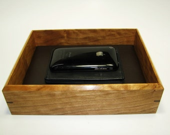 "Figured Cherry Valet Box. Wooden Tray Upholstered in Leather. 8.5"" x 6.75"" x 2"""