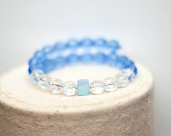 Blue and White Memory Wire Bracelet - Blue Czech Glass Beads Ab Luster Cube Bead - Memory Wire Bangle - Yoga Jewelry - Christmas Gift