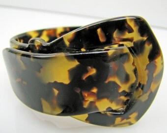 Art Deco Lucite Tortoise Shell Buckle Bracelet.  Tortoiseshell Lucite Belt Buckle Bangle. 1930s Resin Cuff. Antique Art Deco Plastic Jewelry