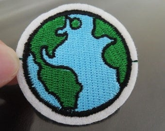 Iron on Patch - Earth Patch Round Patches Iron on Applique Embroidered Patch Sew On Patch