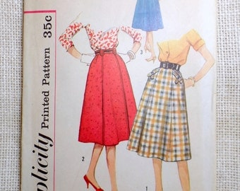 Vintage Pattern Simplicity 2701 Sewing pattern 1950s gored A line full skirt Waist 25 Shawl stole Western
