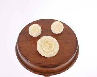 Vintage 50s BROOCH & EARRING SET / 1950s Carved Celluloid Roses Pin and Clip-on Earrings Set