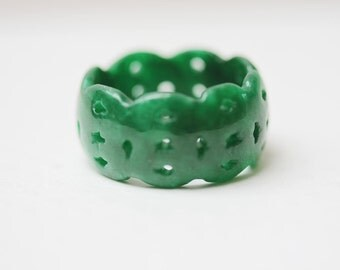 Vintage Jade Ring Wide Carved Band Ring Size 8