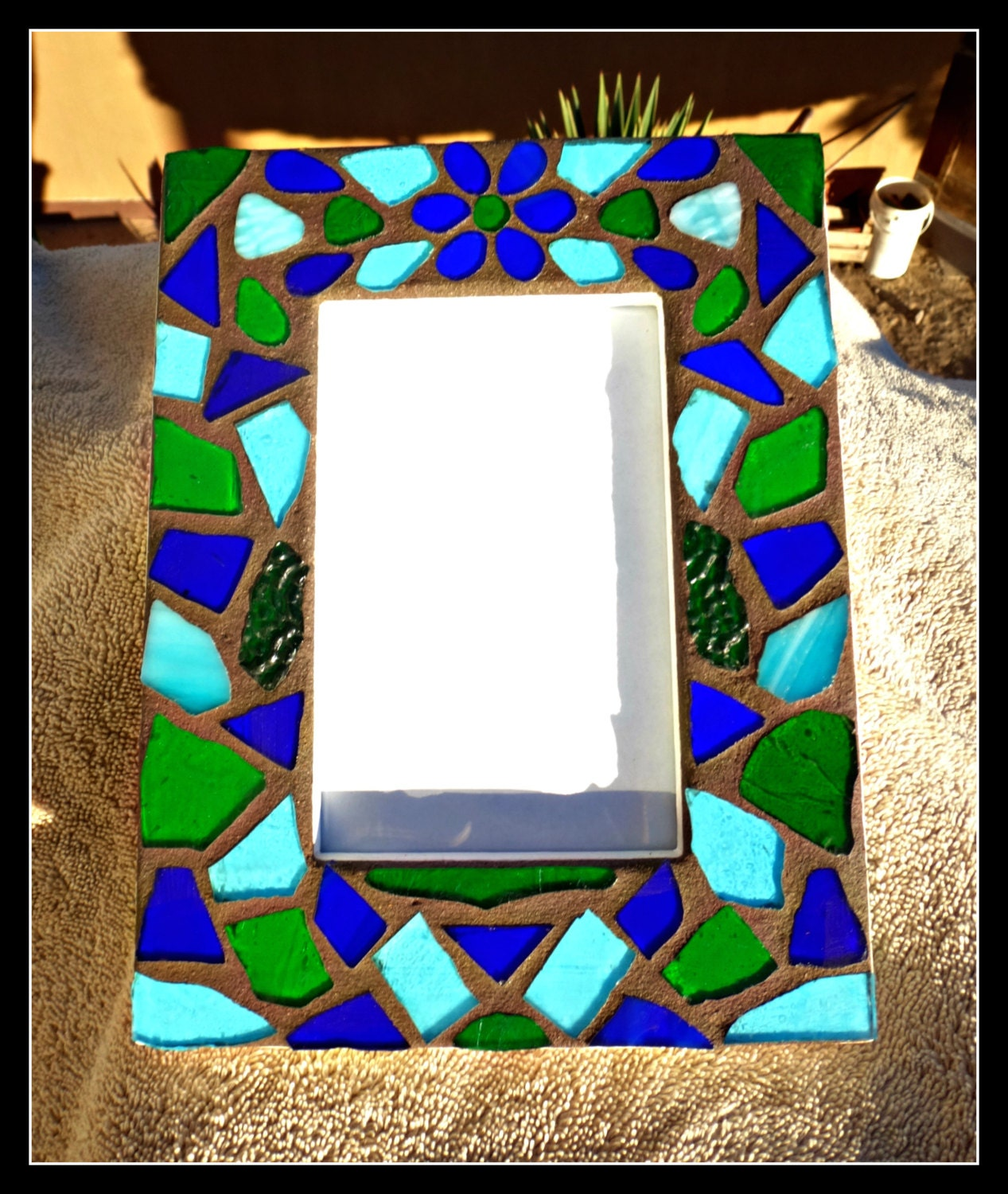 stained glass mosaic picture frame with flower stained glass. Black Bedroom Furniture Sets. Home Design Ideas