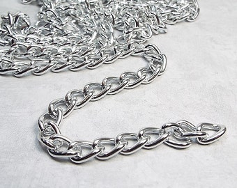 Silver Color Aluminum Chain, 10 mm x 6 mm, Twisted Oval Curb Link, 4 Feet, Destash Supplies, Jewelry Making, Lightweight Chain