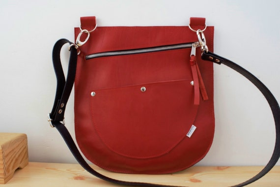 Leather bag,red bag,leather purse,red leather purse,red leather bag,zippered handbag,zippered bag,crossbody bag,red zippered bag,red leather