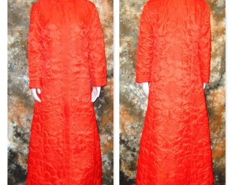 1960s Red Maxi Dress Quilted Maxi Red Orange Robe 1960s Maxi Dress 60s Hostess Gown Vintage Red Quilted Robe 60s Red Robe Red Lounge Dress