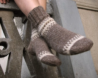 Men's Socks EU Size 43-44 - Cozy Valentine for Him - Hand Knitted - 100% Natural Undyed Wool