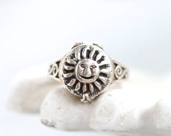 Poison Ring - Sterling Silver pill Ring - Size 6.5