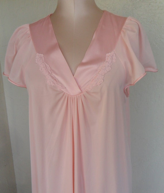 Vintage Vanity Fair Nightgown 99