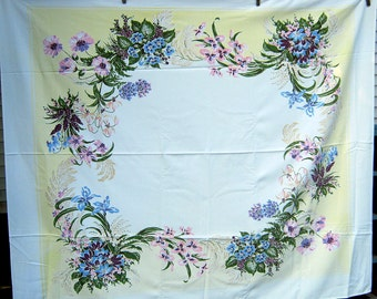 Vintage WILDFLOWER BOUQUET TABLECLOTH Flowers Table Linens Floral Pale Yellow