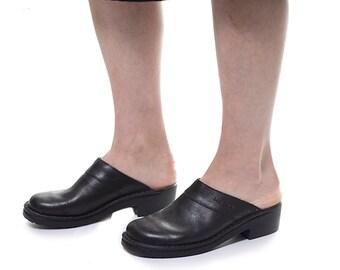 HOLIDAY SALE Josef Seibel black leather clogs / vintage slip on mules / minimalist vintage black clogs / UK size 39