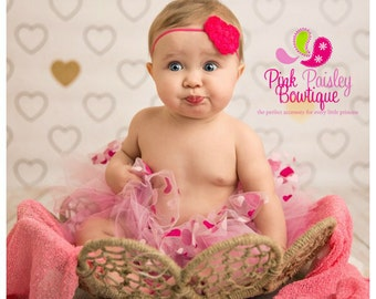 Baby Headband. Valentine's Headband. Heart Baby headbands. Heart Infant Headband. Baby hair accessories. Valentines Hairbows. Baby Bows.