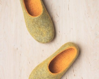 Women house shoes - Felted slippers for woman -  sheep's wool slippers - christmas gift - yellow and beige -Made to order