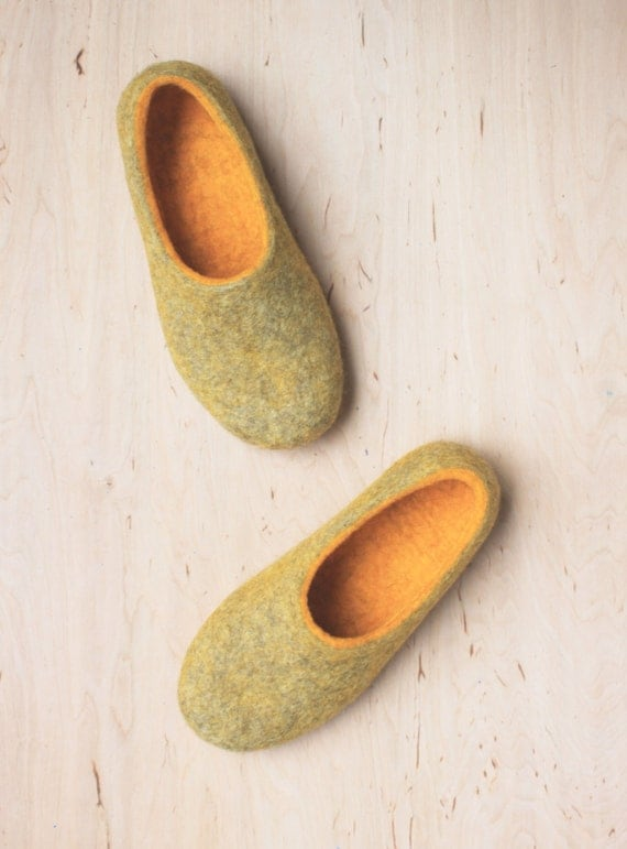 Natural wool slippers - Felted house shoes - Felted slippers - Felt slippers for woman - yellow and beige - Made to order - Easter gift