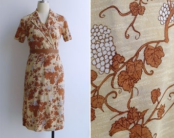 10 to 25% OFF (See Shop) Vintage 70's Grape Bunches Floral Print Wrap Dress XS or S