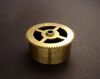 Large Brass Cylinder Gear, Mainspring Barrel from Vintage Clock Movement, Vintage Clockwork Mechanism Parts, Steampunk Art Supplies 03912