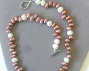 Beautiful, Fresh Water Pearl Necklace