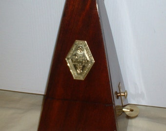 French Paquet Wood Bell Metronome de Maelzel with Rare Time Signature Chime, Restored, Calibrated, Runs Great. Has Solid Brass Trim