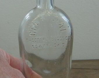 Antique GREAT SEAL Styron Beggs Co Glass Bottle Newark, Ohio