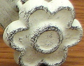 Flower Pull Knob On Flat Plate 6 Distressed White Cast Iron Pull Knob Cabinet Hardware Refinishing Repurpose Project Lot of Six