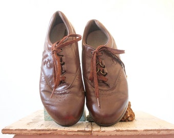 Vintage 80's Brown Leather Laced Shoes