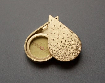 Golden Drop shaped picture locket, sterling silver picture Locket, Structure