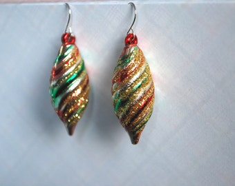 Ornament Earrings -- Christmas Ornament Earrings, Christmas Earrings, Xmas, Sparkly