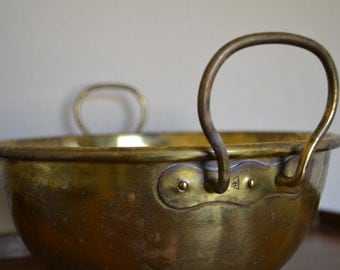 vintage Brass Mixing Bowl / Antique Baking / Rare Rolled Rim Bowl With Handles stamped hF / French Farmhouse Kitchen/Patisserie / Confection