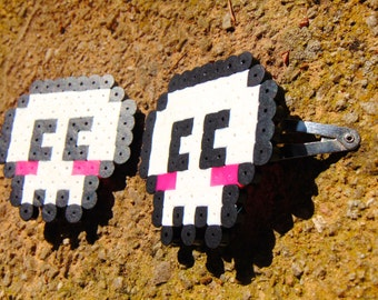 8bit Blushing Chibi Skull Hair Clip Set