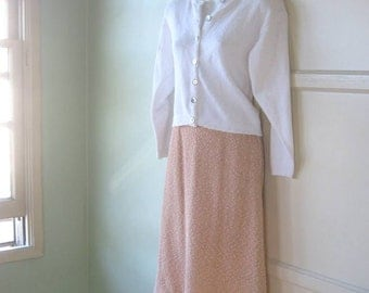 Vintage 1960s White/Salmon Pink Knit Skirt  - Knee Length A-Line Salmon Skirt - Small-Medium 'Popcorn Knit' 1960s Career/Day Skirt