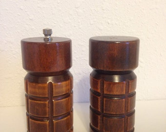 Vintage Wooden Salt and Pepper Set, Vintage Pepper Grinder, Pepper Mill, Vintage Carved Wood Set, Vintage Kitchenware