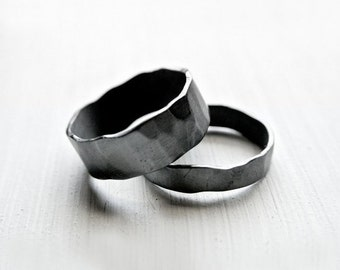 isolde - rustic alternative wedding bands / unique wedding rings / oxidized couple rings / black rings