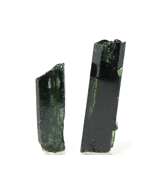 Emerald Green Chrome Diopside Gemstone Rough Jewelry Points Cabbing Lapidary Rough, Semiprecious gems