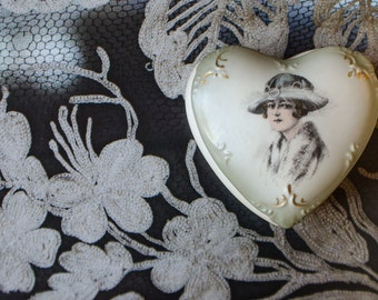 Vintage Heart Shaped Trinket Potpourri Porcelain Box with Lid
