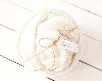 Super chunky merino wool roving natural colour sourced in Europe - Big wool yarn - Giant yarn - Super bulky yarns - Merino wool yarn
