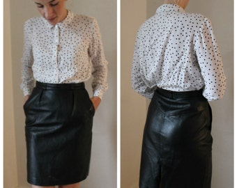 Vintage Classic Black Leather High Waisted Skirt with Pockets - Size 4 // 1980's