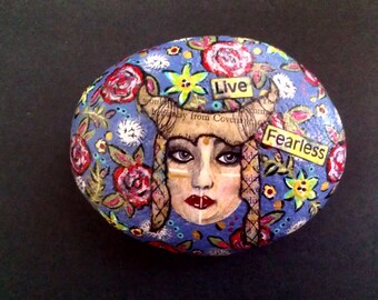 Mixed Media Inspirational Hand Painted Floral Feerless Stone Paperweight Decor