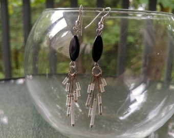 Black and White Dangle Earrings, Black And White Glass Bead Earrings, Black Glass Oval Bead and White Glass Dangle Beads, Vintage beads