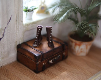 Edwardian boots made of incredible soft and thin real leather in scale 1:12