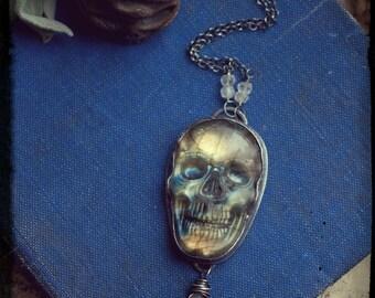 Labradorite skull necklace, carved gemstone skull, sterling silver, grey moonstone, Day of the Dead, necromancy necklace, golden schiller.