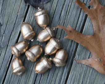 Gold and Silver Acorns with affixed caps - Real Acorns- Autumn decorations, DIY Rustic Wedding supplies - Autumn Wedding- Clean & dried