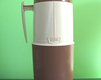 Vintage 1960s Two Tone Wide Mouth Thermos One Quart Size