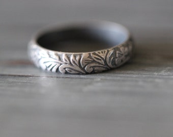 SOPHIE:  Stacking Ring, Botanical Ring, Wedding Band, Wedding Ring, Leaves, Sterling Silver, Vines, Floral, Pattern Texture,