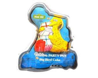 1978 Big Bird Cake Pan Wilton Decorating Kit Baking Instructions Sesame Street Birthday Party Children's Television Workshop Muppets TV Gift