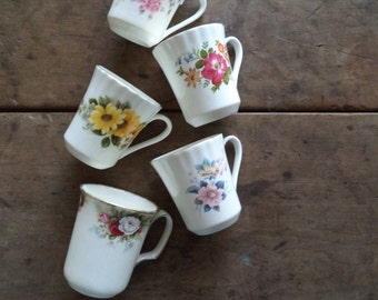 Vintage Teacups Home & Living Kitchen Dining Entertaining Drinkware Serving Wedding Tea Party Bone China England Floral Collectibles