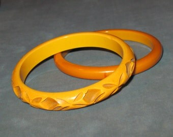 Two Bakelite Bangles, One Carved and One Solid Bangle, 1930s Butterscotch Bakelite Bangles, Yellow Carved Bakelite Bracelet, Yellow Bangle