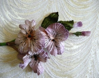 Velvet Millinery Pansies Flowers Lavender Mauve Bunch of Three Large with Buds Old Fashioned Bouquet 3FN0091M